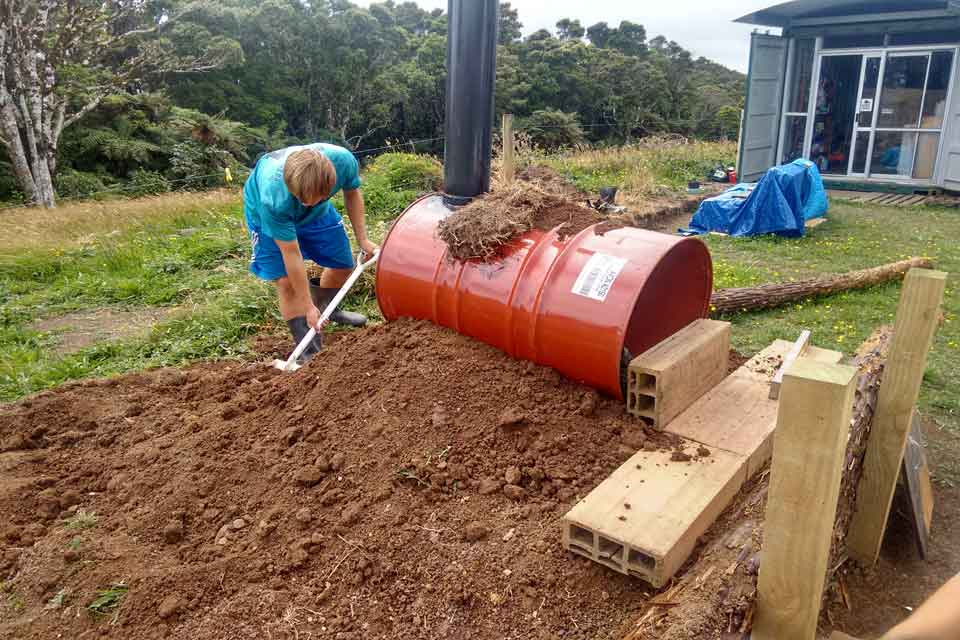 Building the pizza oven at the Pupu Rangi Nature Sanctuary